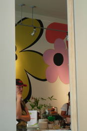 Bloom_cafe_doorway_10001
